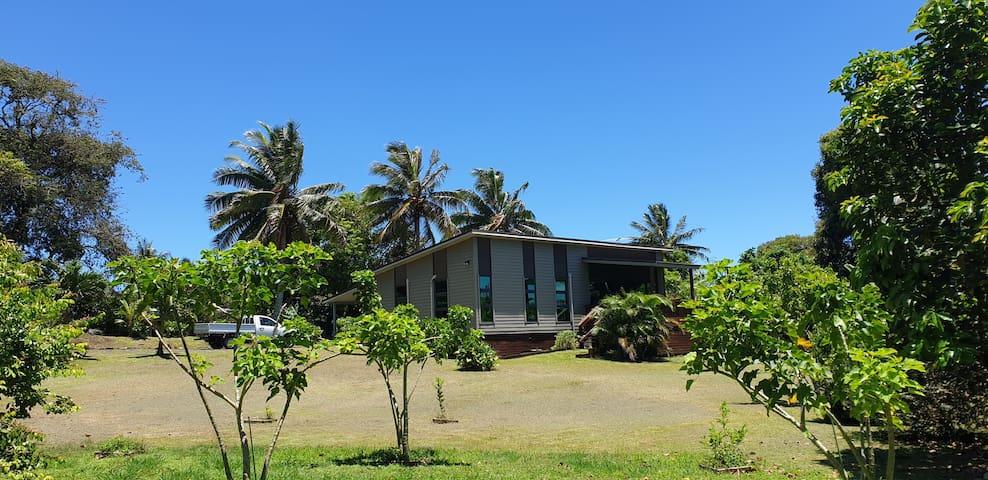 Tupapa Palms guidebook