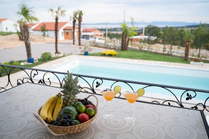 Villa Mirage recommendation