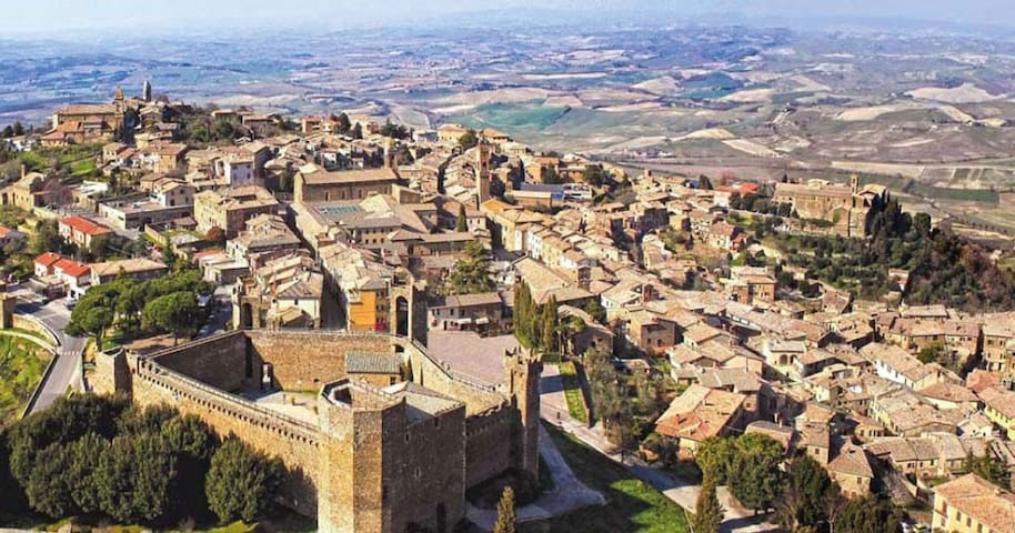 Guidebook for Montalcino