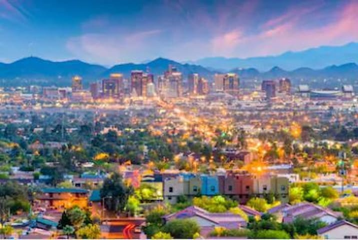 Phoenix dining, shopping and attractions