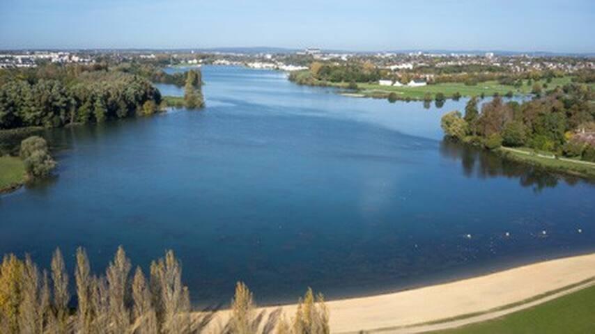 Bourges et son lac