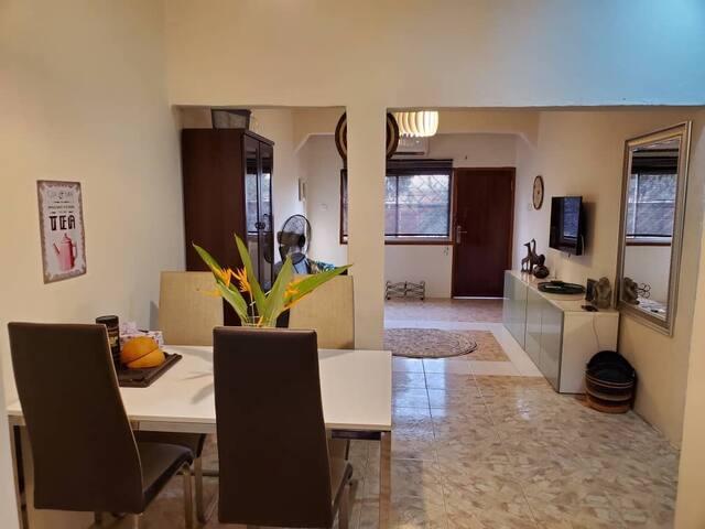 Oheneba Villa