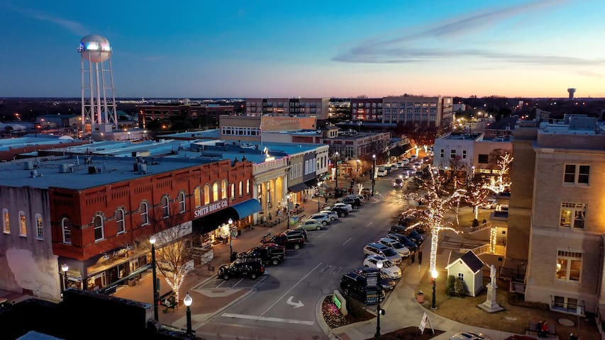 Historic Downtown McKinney Guidebook