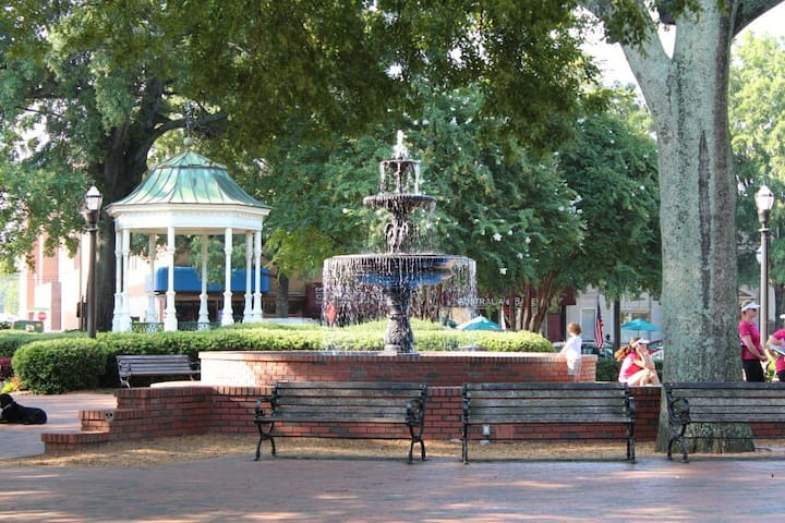 Mike's guidebook, attractions close to our Little Marietta White House
