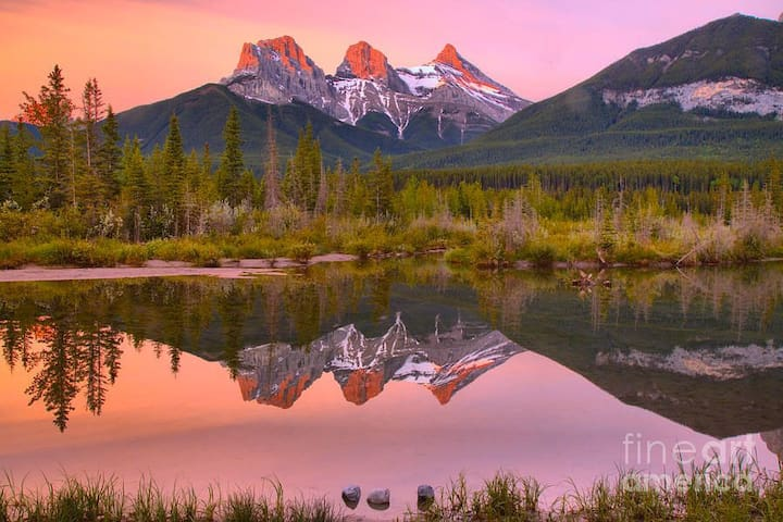 Canmore-Banff Guidebook