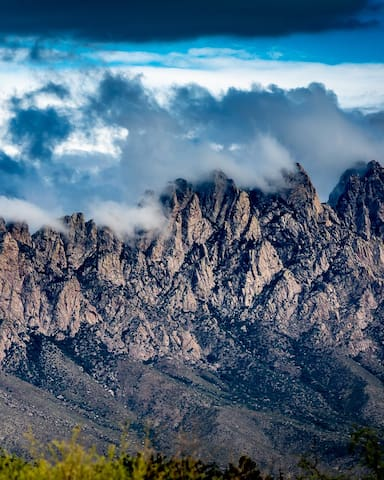 The Nogal Canyon House Guidebook to Las Cruces