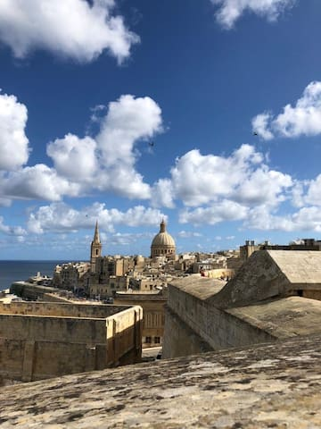 Inside Valletta's Guidebook