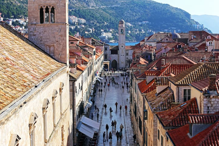 Insider Tips For Happy Holidays In Dubrovnik !