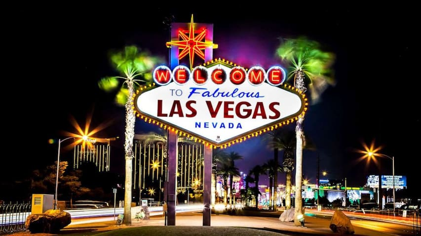 Las Vegas guidebook - Live like a local!