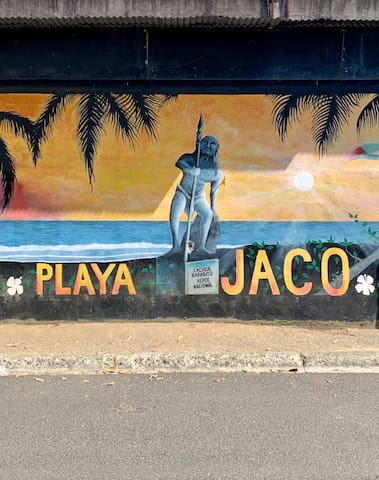 Jaco 101: What To Do, Where To Go, and What To Eat