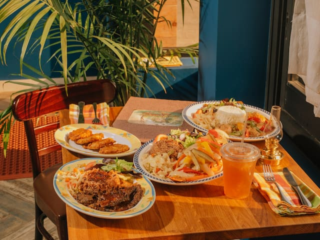 Foodies Guide To Jamaican Cuisine.
