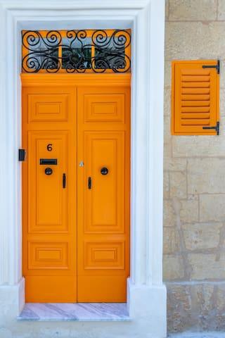 Valletta Property Rentals's guidebook