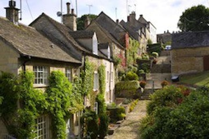 Guidebook for Tetbury