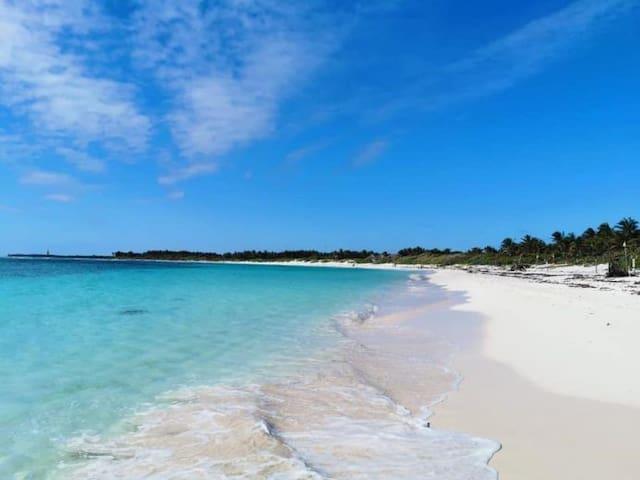 Guidebook for Playa del Carmen :)