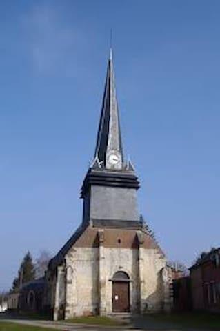 Dargies, porte de la Picardie