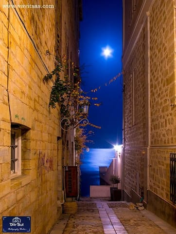 Guidebook for Syros
