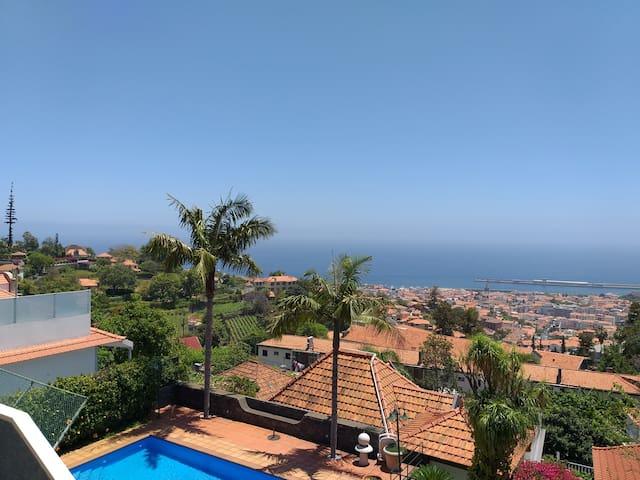 Guidebook to explore Madeira's treasures