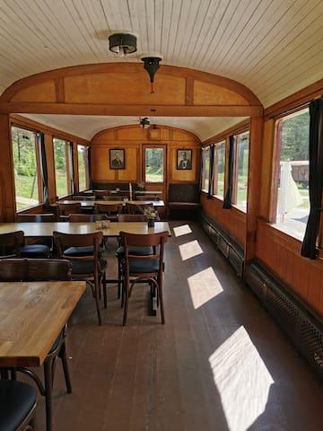 Veteranbanen og Restaurant Vrads Station