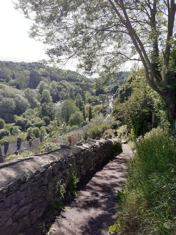 Guidebook for Chalford and surrounding area