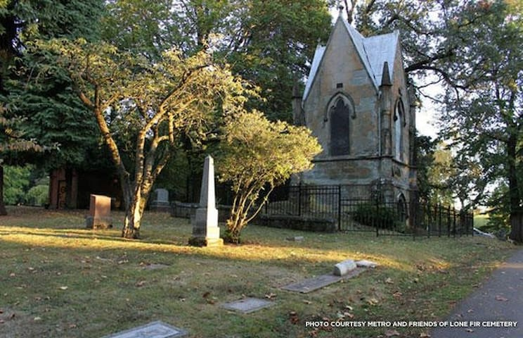 Cemeteries to visit - from a funeral director (Kristine) to you!