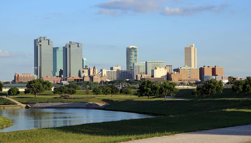 Beautiful Fort Worth - Go Explore!