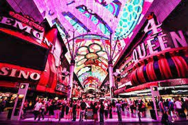 DownTown Vegas & Fremonte Street Experience