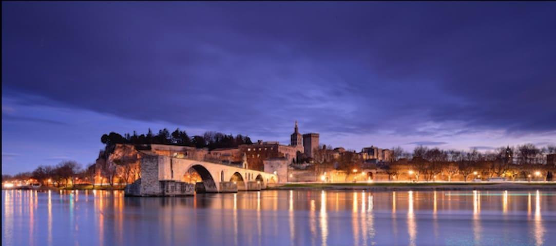 Les bons tuyaux d'Avignon et alentours by Lylia