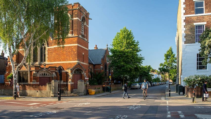 Exploring Kennington and Oval? Discover all the the best things to do!
