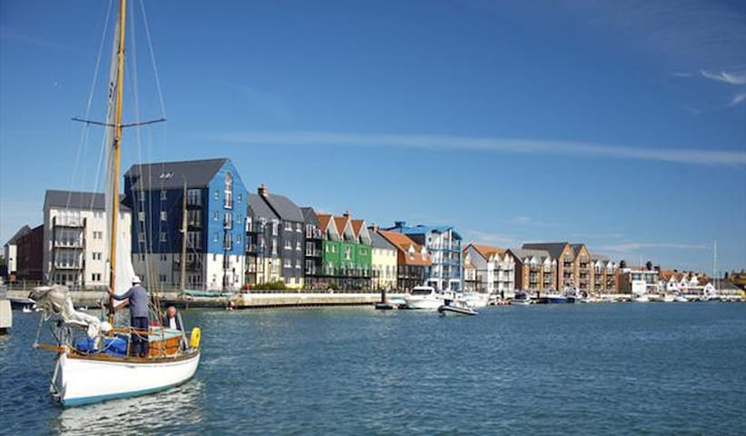 Tony & Philippa's Littlehampton and surrounding area guidebook