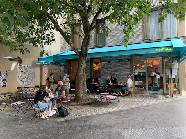 11th arrondissement Great trendy green area - Secrets Spots everywhere.
