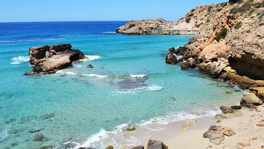 Calas secretas Norte de Ibiza