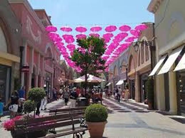 Shopping a Roma - I grandi centri commerciali fuori dal centro