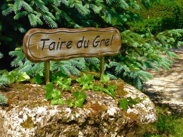 Taire du Grel Guidebook