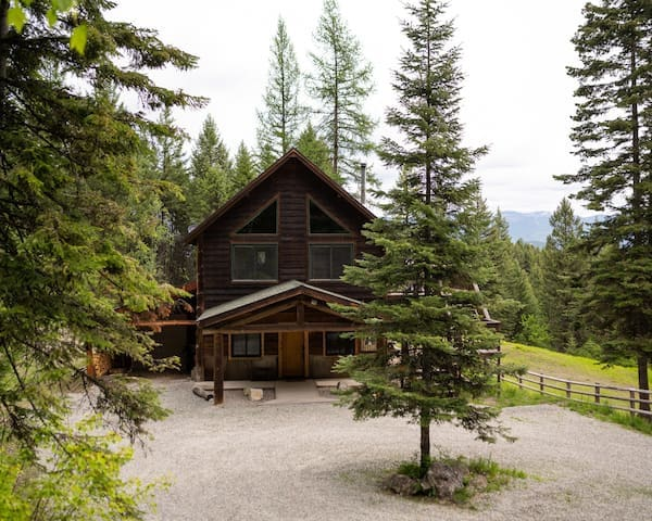 Moonlight Ridge Cabin's  guidebook to the Whitefish, MT and region