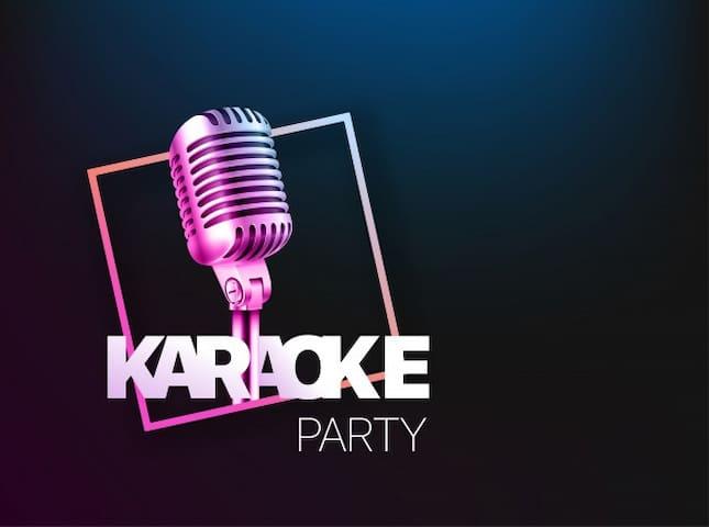 Noche de karaoke y cheves!!