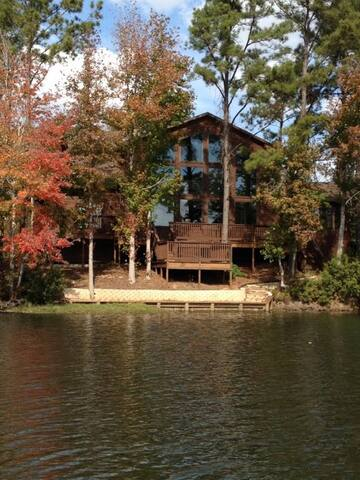 Castaway Lodge guidebook