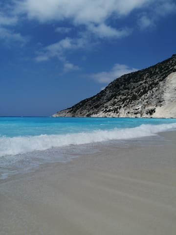Where to go in Kefalonia - Ariadni's guidebook