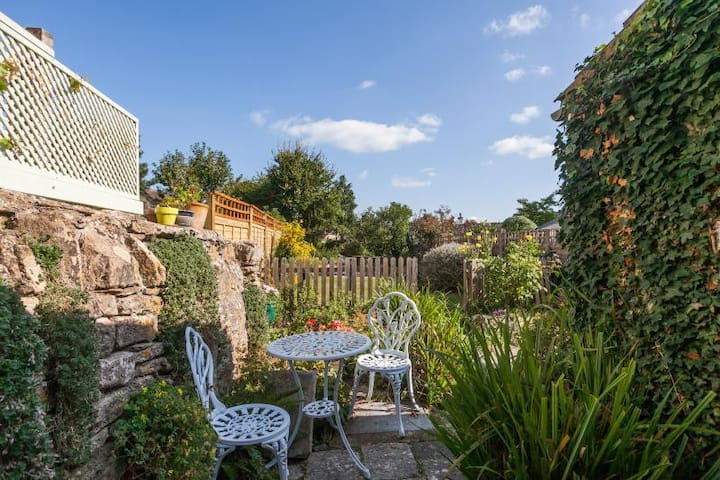 Stonecrop Cottage - What to Do & Getting Around