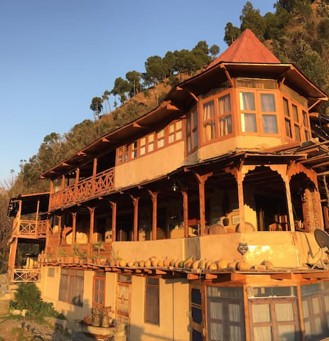Himalayan Orchard Hut's guidebook