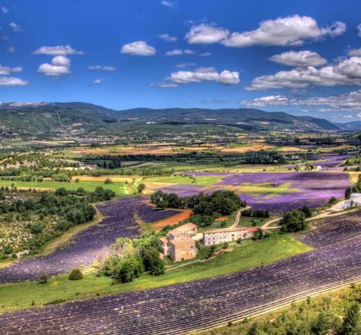 Les plus beaux villages du Lubéron à proximité !