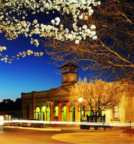 44 THE LANE  Mudgee Guide
