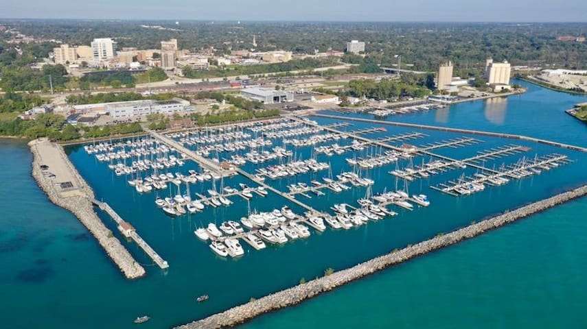 Rebecca's Guidebook to Waukegan and the Chicagoland Area