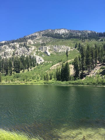 Welcome to Sunrise #30  your Mammoth Lakes Getaway