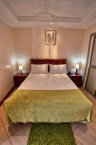 Longview Suites Hotel's guidebook