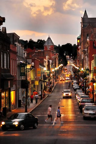 A Guide to Lewisburg & The Surrounding Area