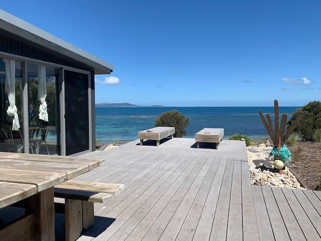 The Little Beach Shack Tasmania