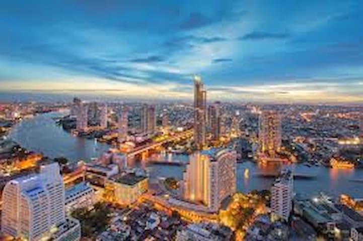 Around and About Bangkok / Samyan