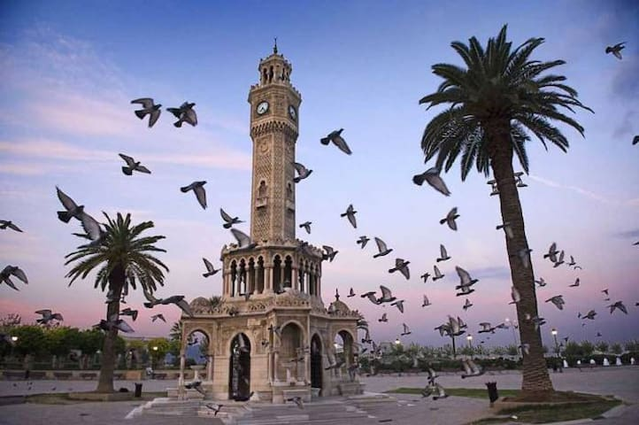 İzmir Travel Guide