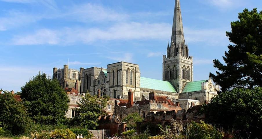 Jane's guidebook for Chichester