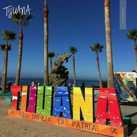 """Tijuana, Baja California. """"Aquí empieza la patria Mexicana"""""""